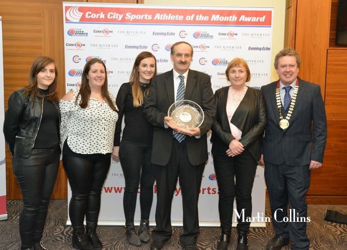 L-R, Regina Walsh, Lucy Walsh, Jessie Walsh, Pat Walsh, Marie Walsh & Bill Allen, Chairman Cork Athletics.